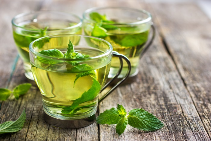 spearmint and peppermint tea