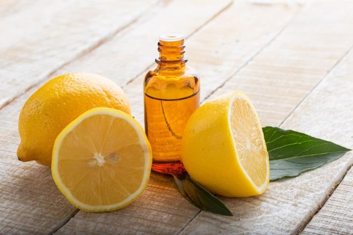 lemon essential oil for acne