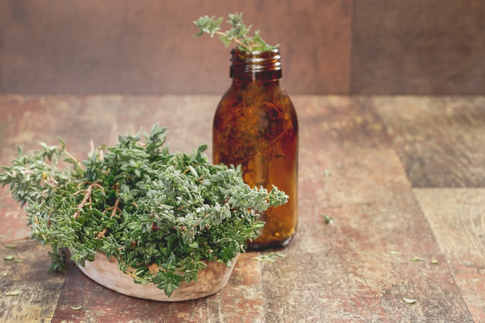 how to use thyme for acne prone skin