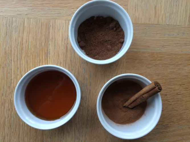 honey cinnamon and nutmeg face mask for acne and glowing skin - ingredients